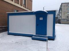 На территории городской поликлиники начал свою работу модульный пункт ожидания
