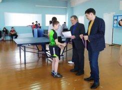 Турнир по настольному теннису среди юношей и девушек