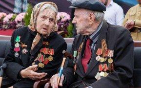 Инвалиды и участники Великой Отечественной войны в апреле получат выплаты