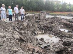 К реконструкции площадки, расположенной у городской сцены в парке приступили