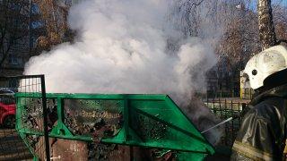 Почему горят мусорные контейнеры