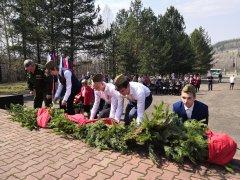 """Традиционный митинг-памяти прошёл у обелиска """"Шахтерам, павшим за Родину в 1941 – 1945 гг."""" в районе Стройгородка"""